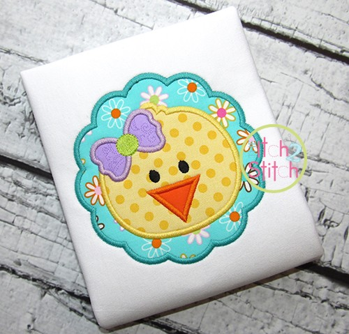 Chick Face Scalloped Circle Applique