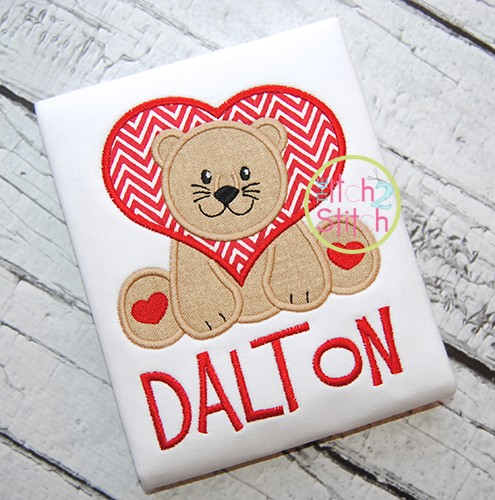 Sitting Lion Hearts Applique
